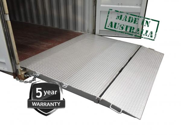 8-TON CAPACITY SELF LEVELING CONTAINER RAMP - DHE-FR8